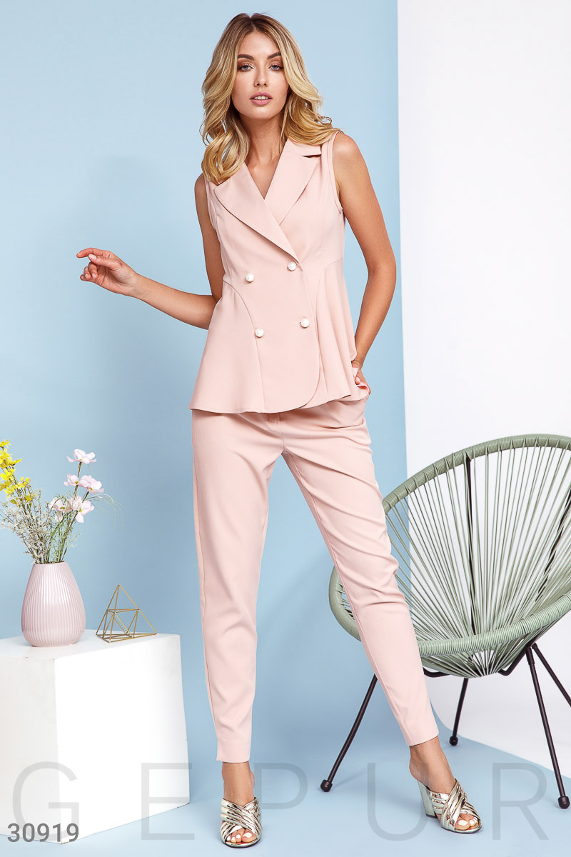 Suit with the original buttons Pink 30919