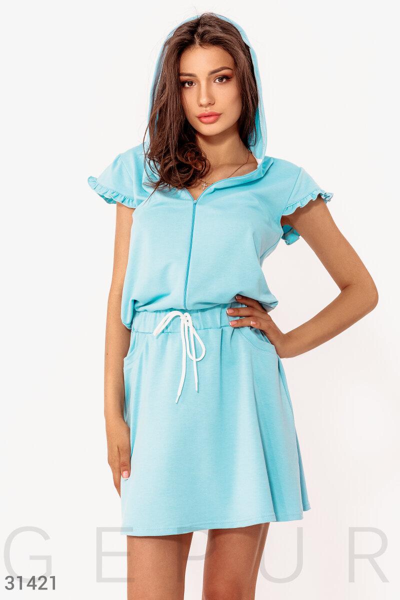 Короткое платье с капюшоном