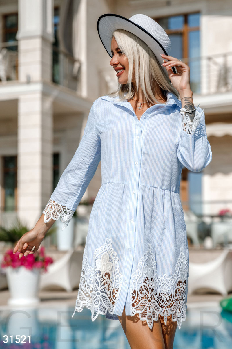 Короткое платье-рубашка