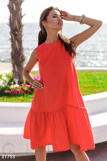 813a67cda2c300 Платье свободного кроя,без рукавов,волан на подоле,цвет-оранжевый. фото