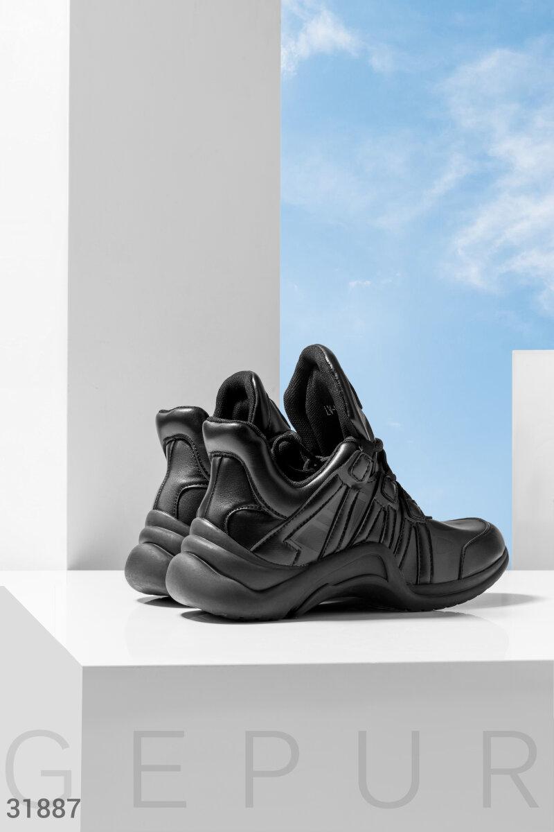 Черные массивные кроссовки