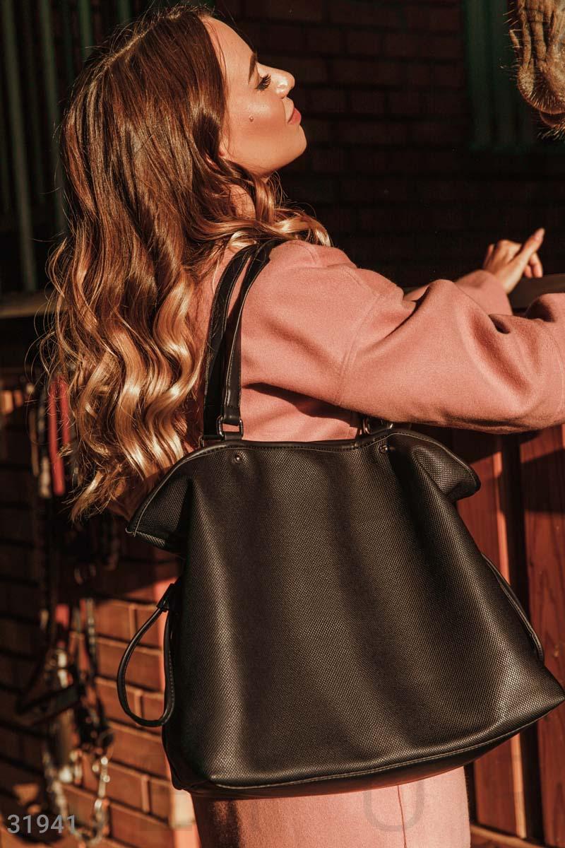 Актуальная черная сумка