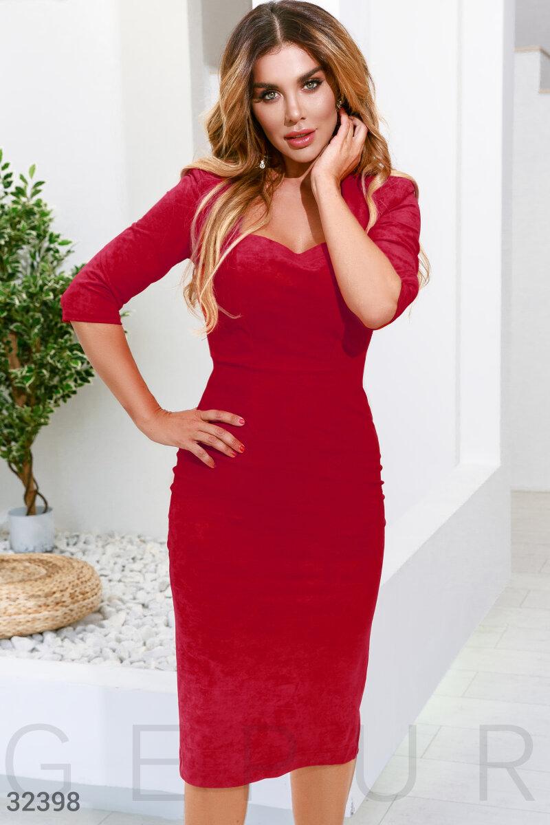 Замшевое красное платье