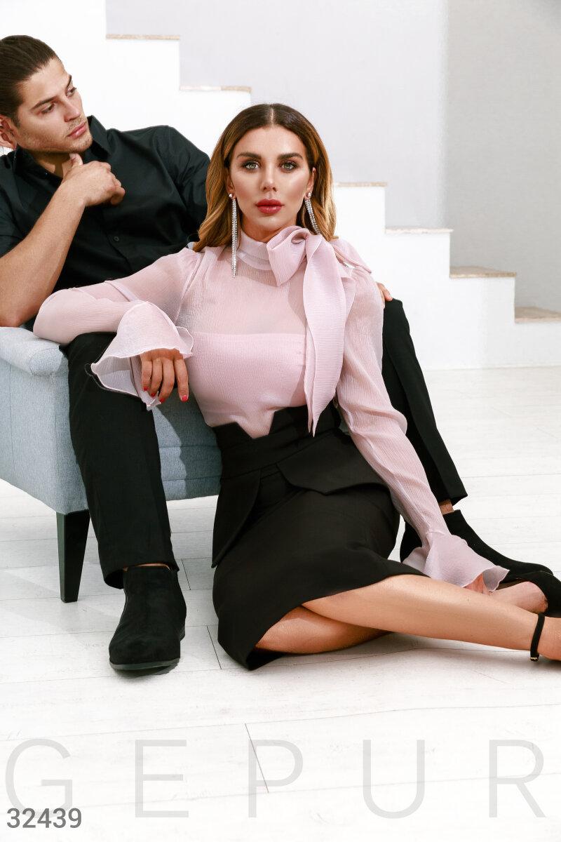 Нежно-розовая блуза