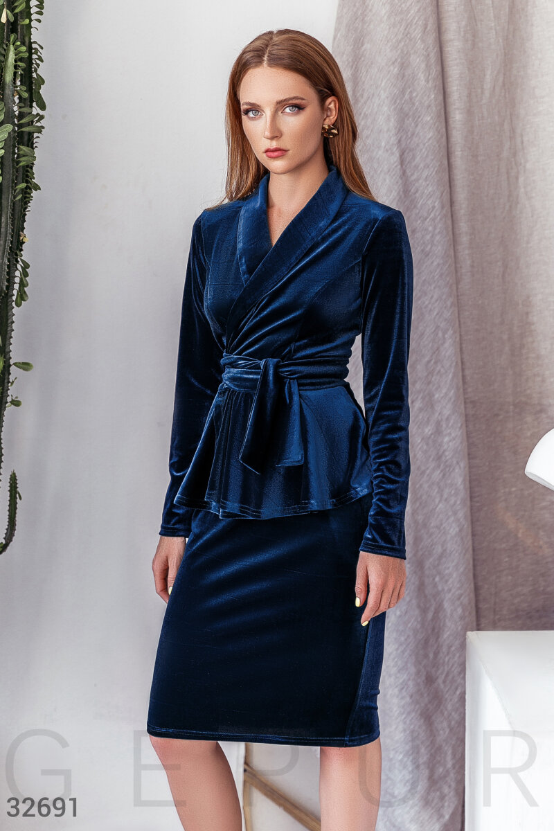 Бархатный синий костюм
