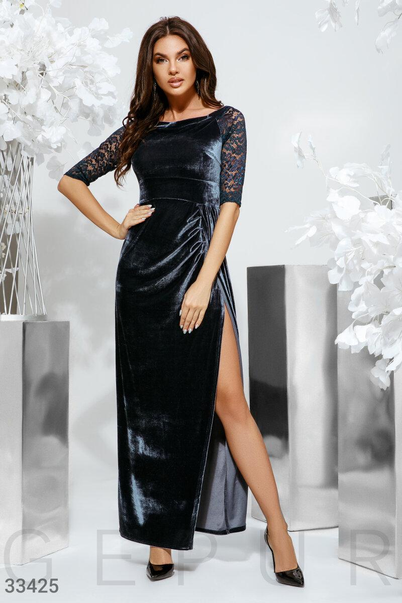 Бархатное платье с разрезом