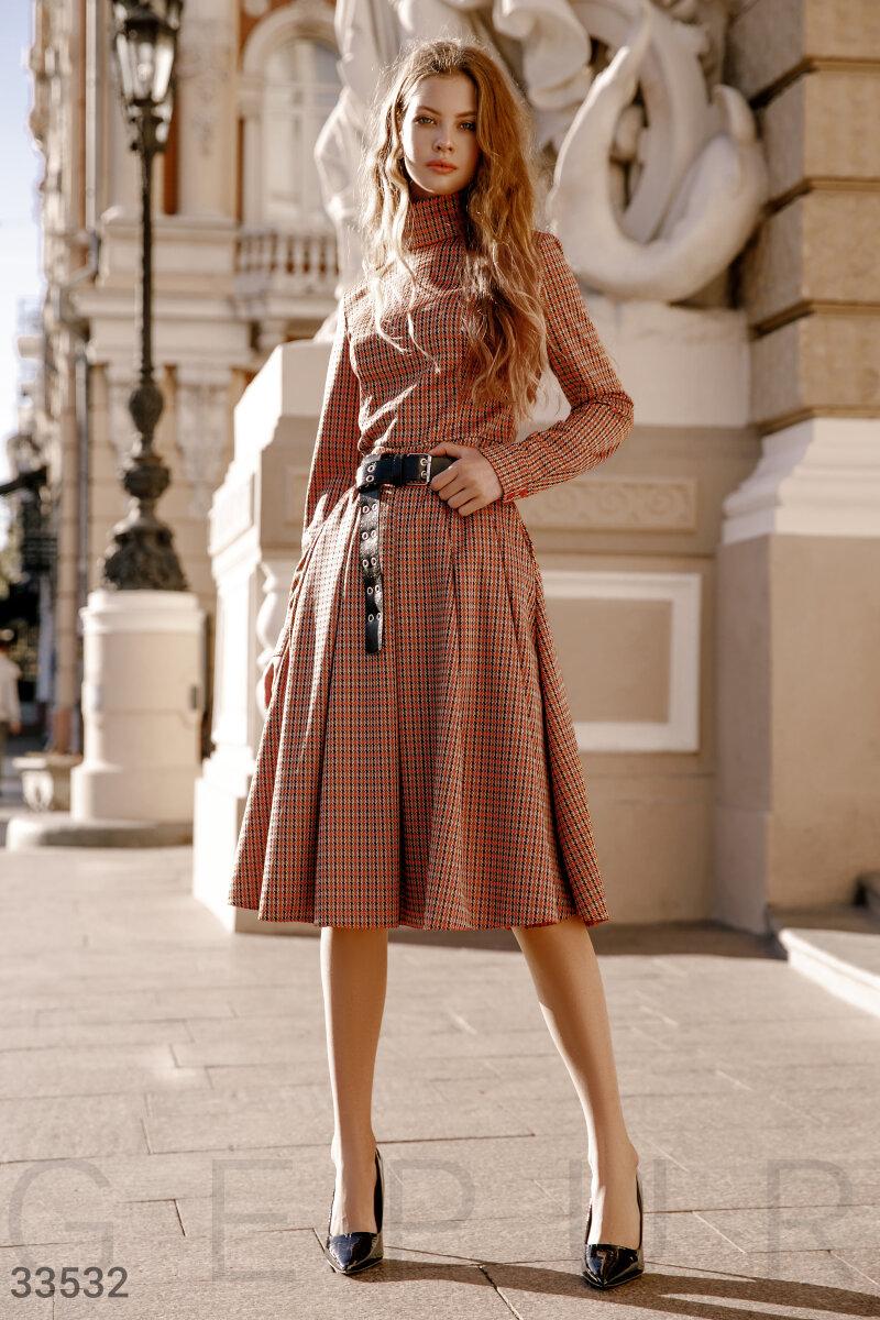 Расклешенное трикотажное платье