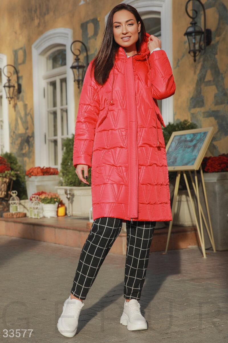 Стеганая куртка красного цвета