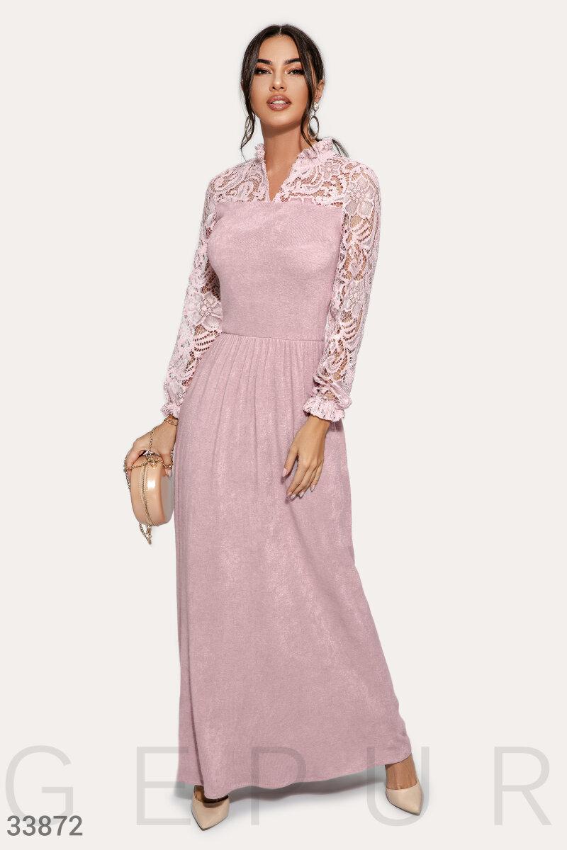 Актуальное платье с кружевом