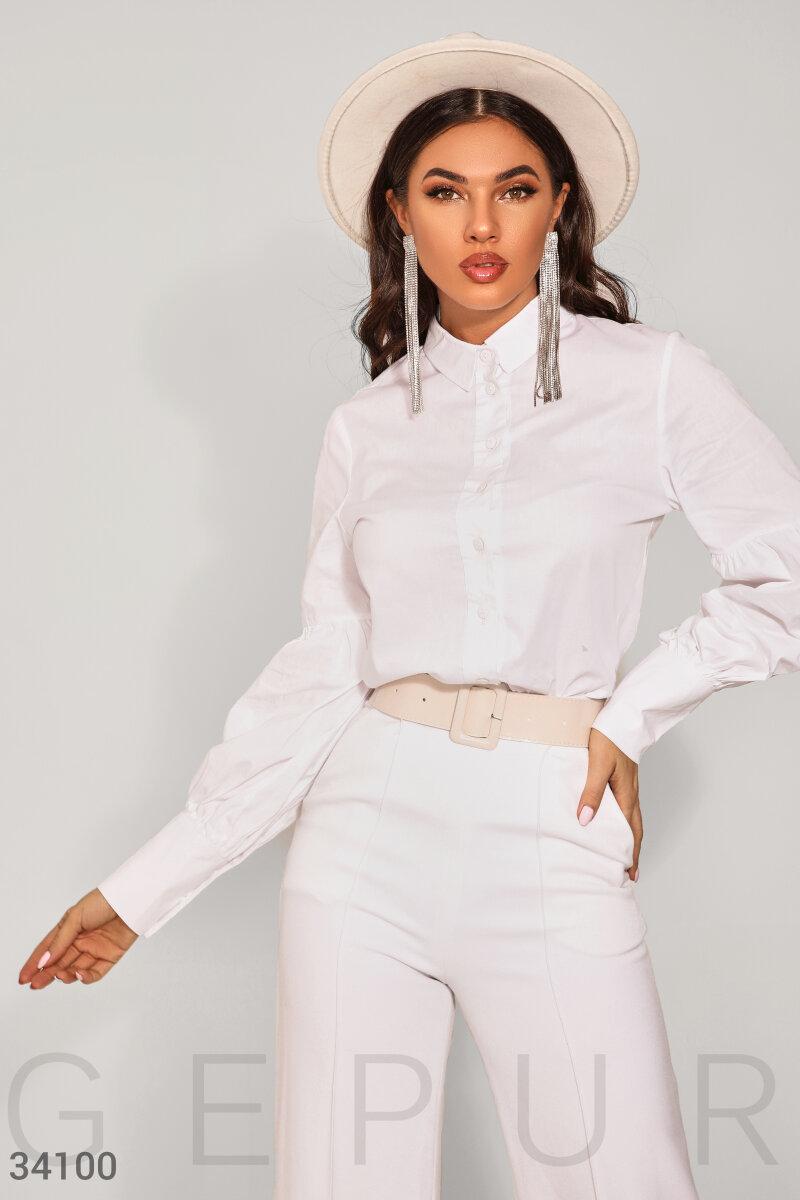 Лаконичная белоснежная рубашка