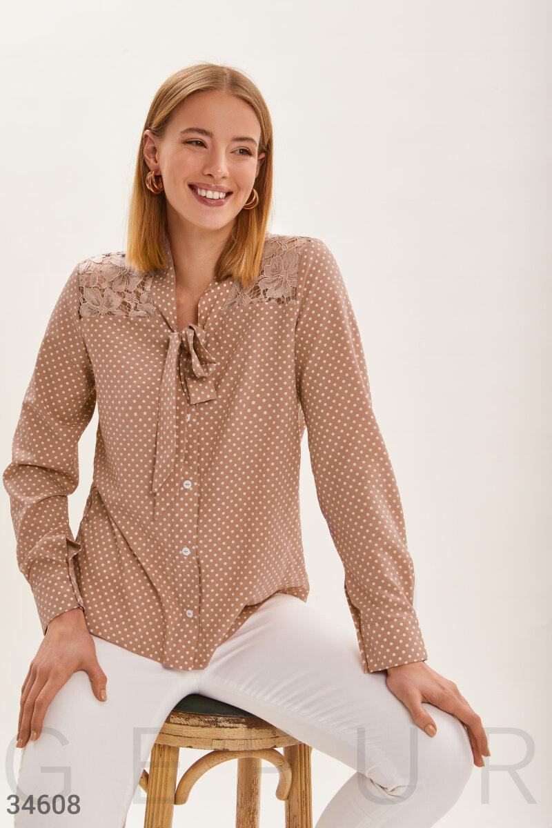 Блуза с утонченным кружевом