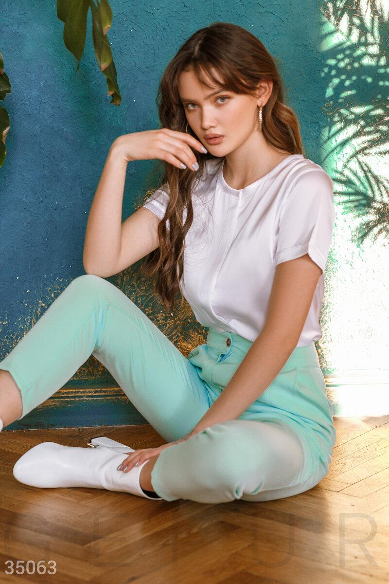Белая шелковая блуза