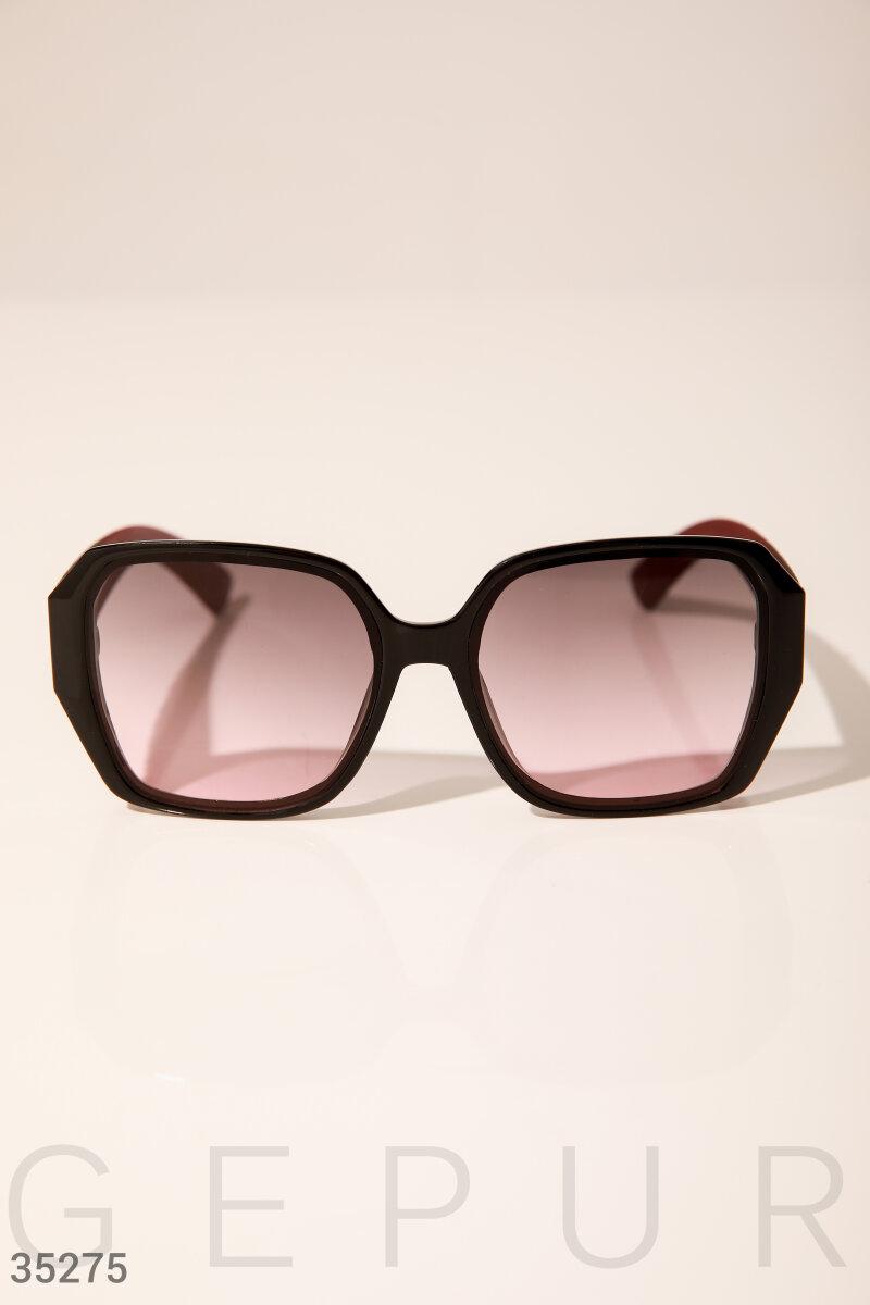 Объемные солнцезащитные очки