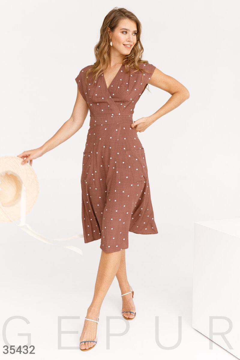 Платье в горошек на запа́х