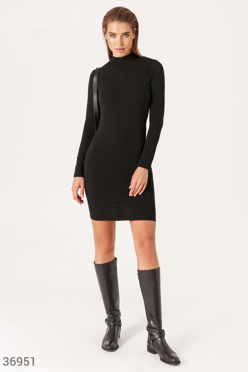 Short dress-turtleneck in basic color