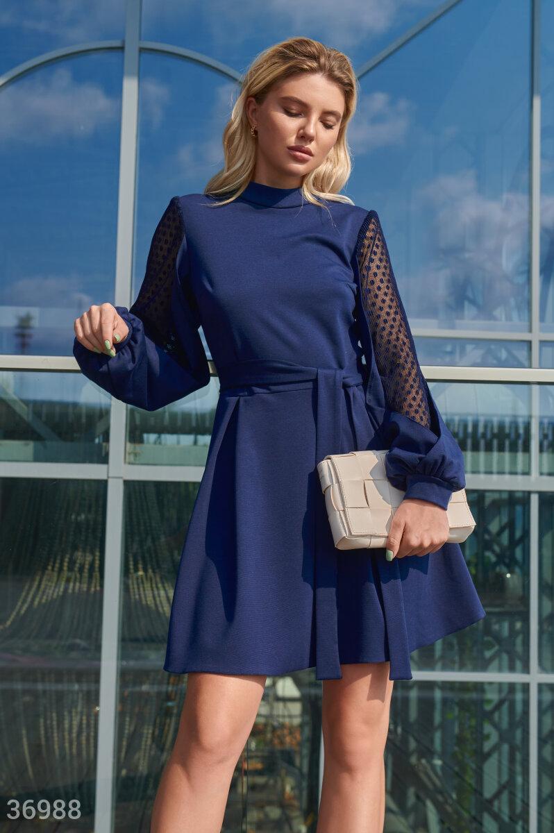 Фото 2 - Темно-синее приталенное платье