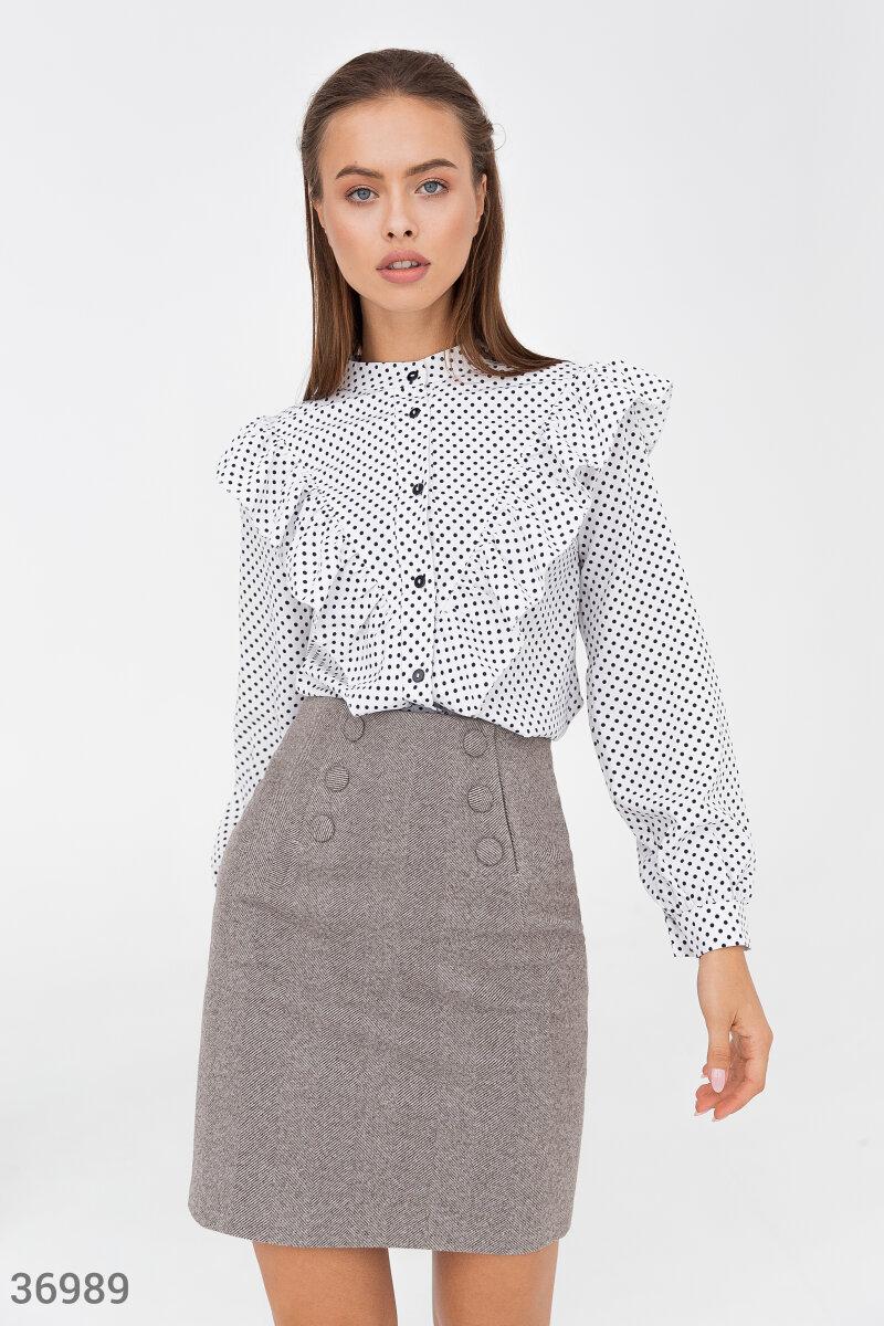 Фото 2 - Белая блуза с воланами