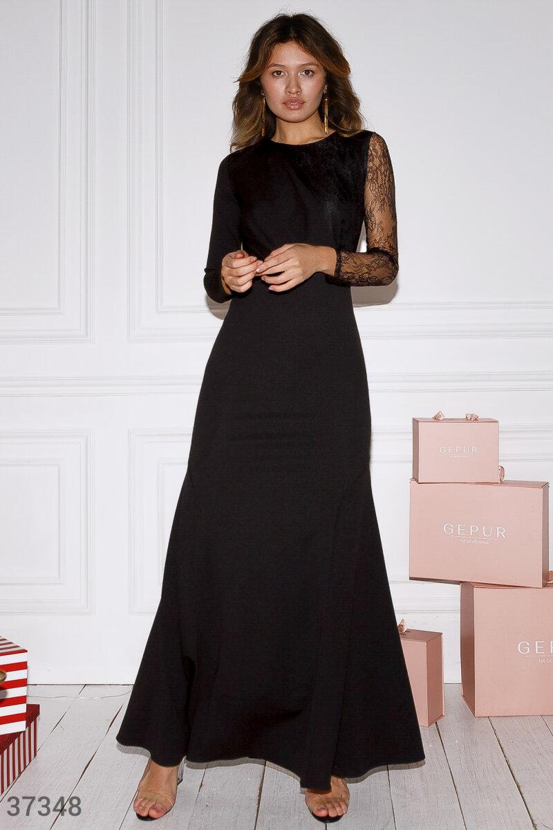 Утонченное платье-годе с кружевом