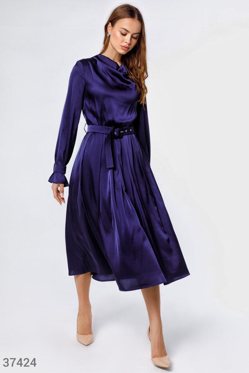 Лаконичное шелковое платье
