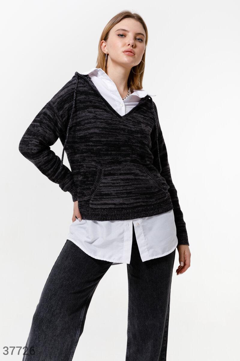 Теплый пуловер с капюшоном