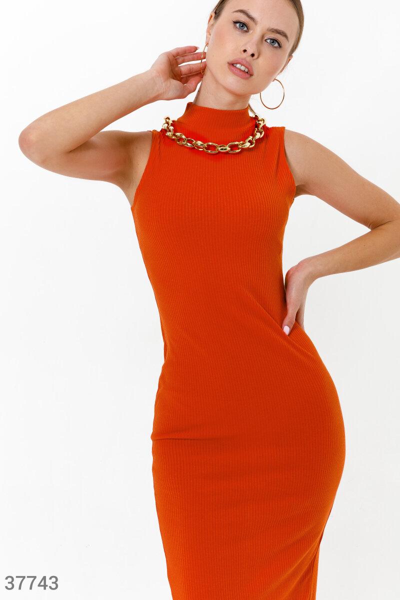Элегантное приталенное платье