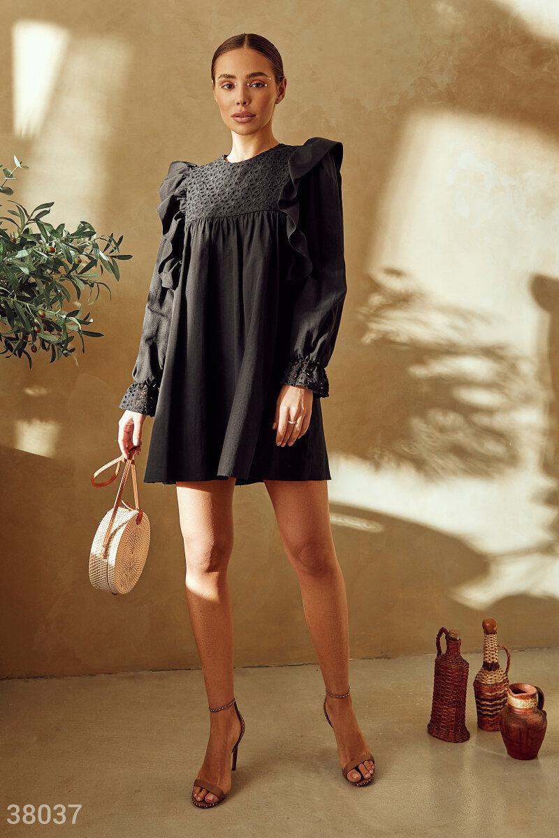 Романтичное черное платье из хлопка