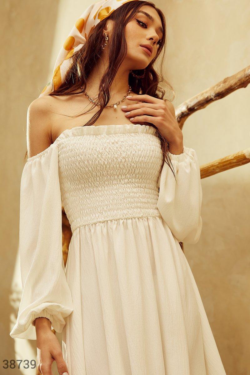 Воздушное платье с эластичными вставками