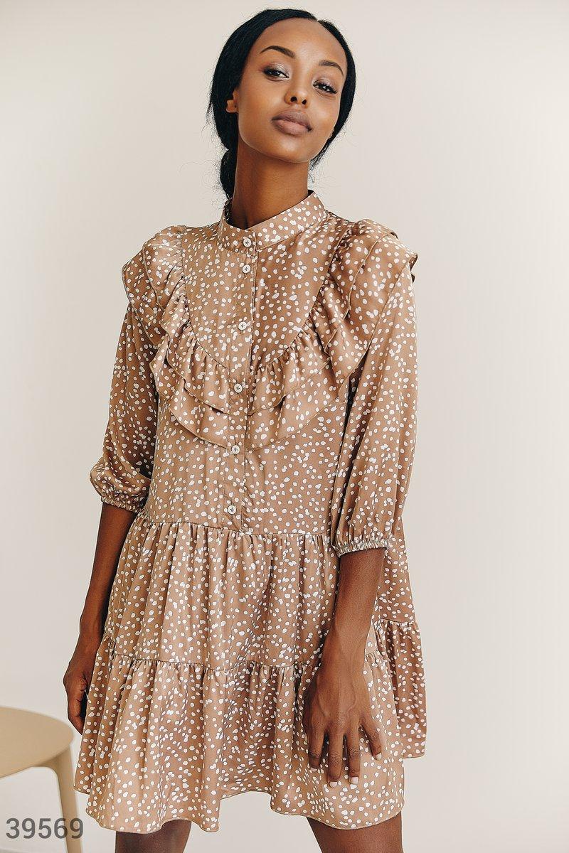 Бежевое платье из шелка