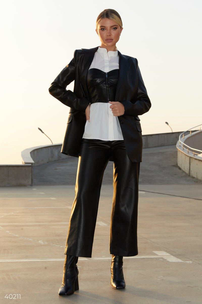 Укороченные черные брюки из эко-кожи